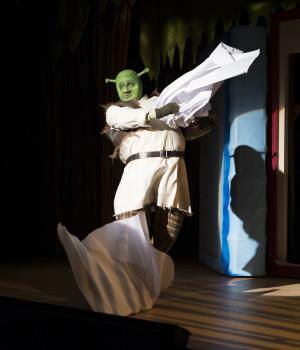 Shrek's entrence!